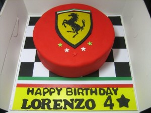 ferrari-Happy-birthday-decorated-cake