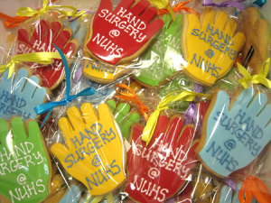 hand-surgery-themed-cookies