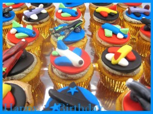 airplane--happy-birthday-customized-cupcakes-Singapore