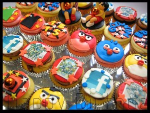 angry-birds-happy-birthday-customized-cupcakes