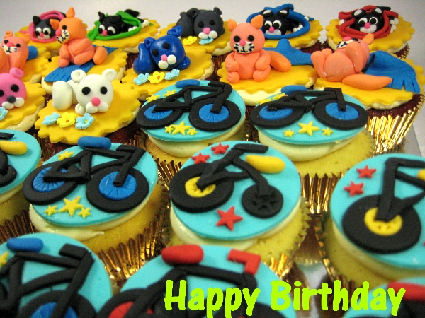 happy-birthday-bike-doggie-customized-cupcake-Singapore-delivery