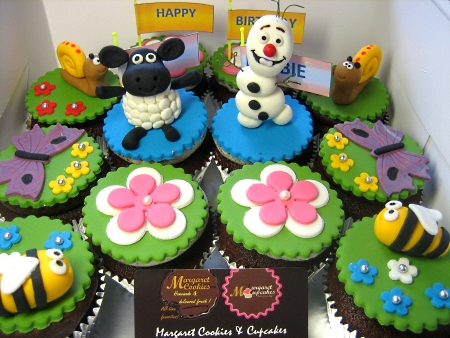 black-sheep-birthday-cupcakes