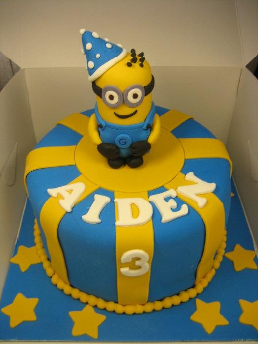 Minions cake 3D