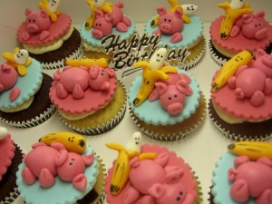 pig-birthday-cupcakes