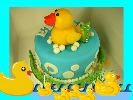 rubberduck-Happy-birthday-themed-cake