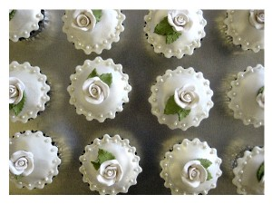wedding-favor-cupcakes