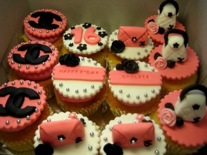 chanel-birthday-cupcakes