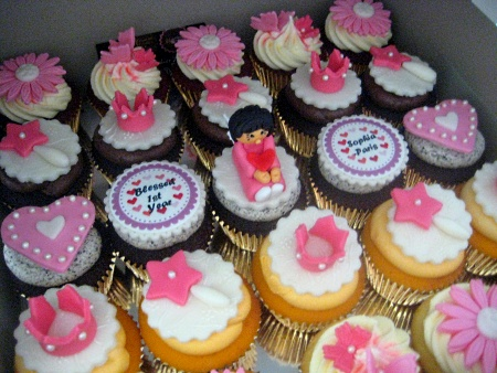 flower-birthday-cupcakes