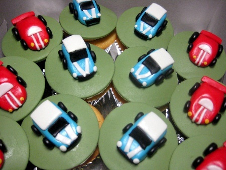 mini-car-birthday-cupcakes
